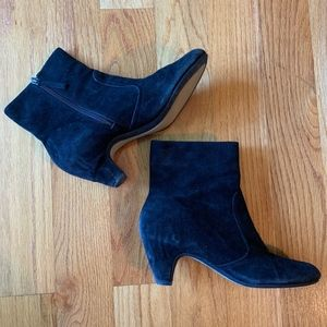 Sam Edelman Black Suede Booties. Size: 7.5 M.